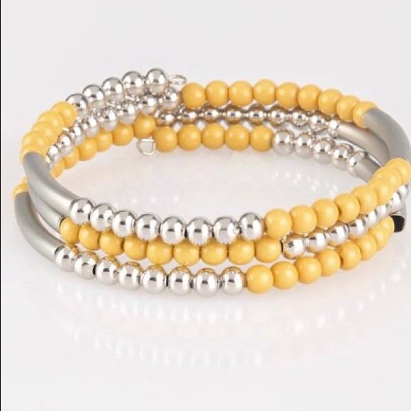 paparazzi Jewelry - Tourists Trap Yello Bracelet